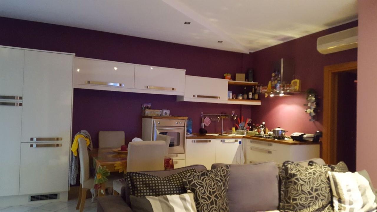 Appartamento in ottime condizioni in vendita Rif. 9794969
