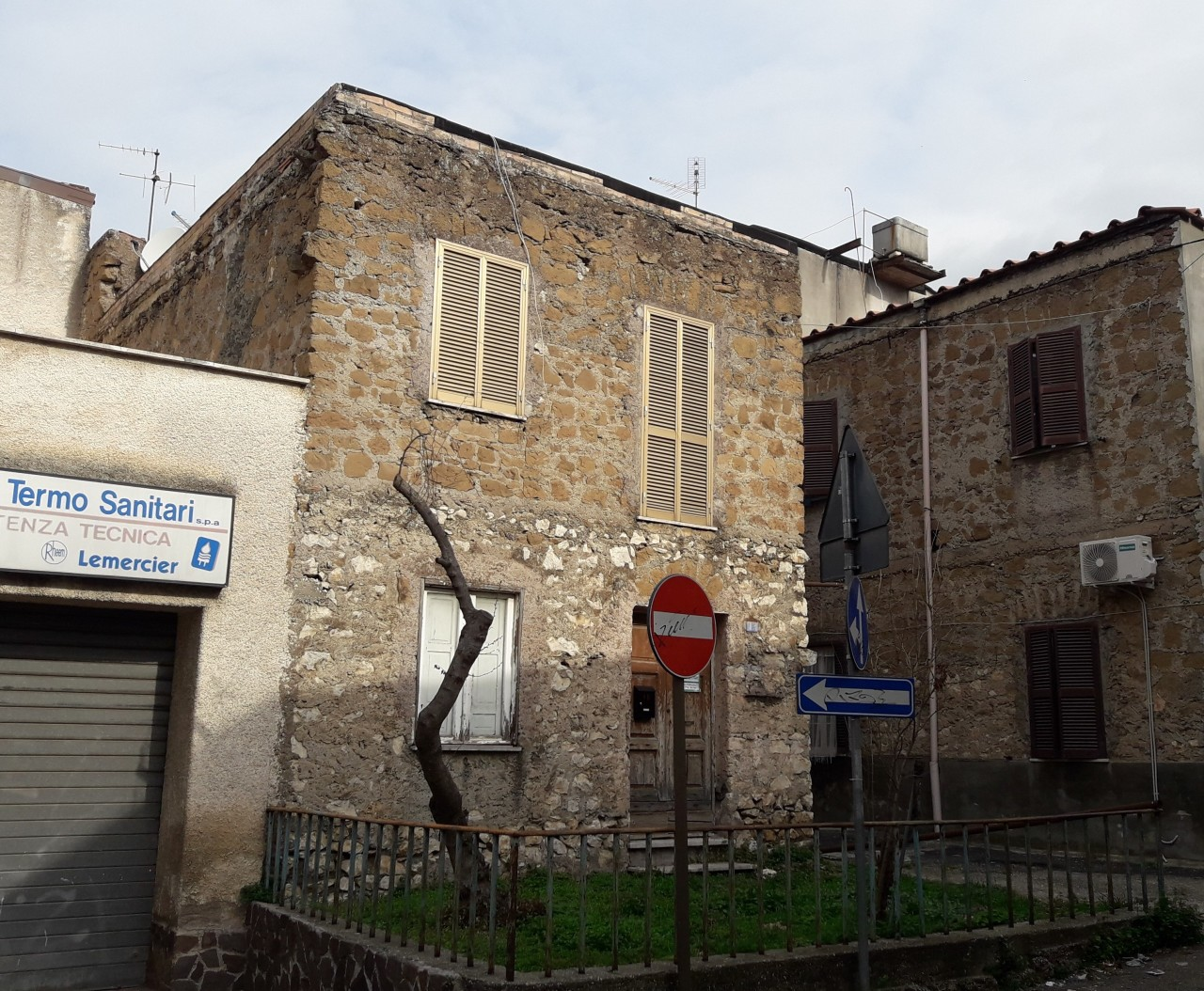Casa Indipendente in discrete condizioni in vendita Rif. 11586953