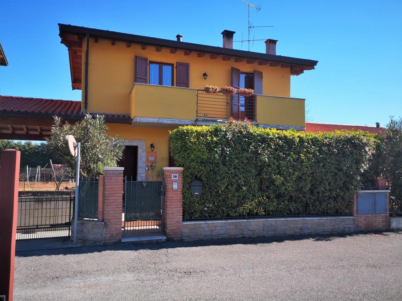 Semindipendente - Villa a schiera a Prevalle