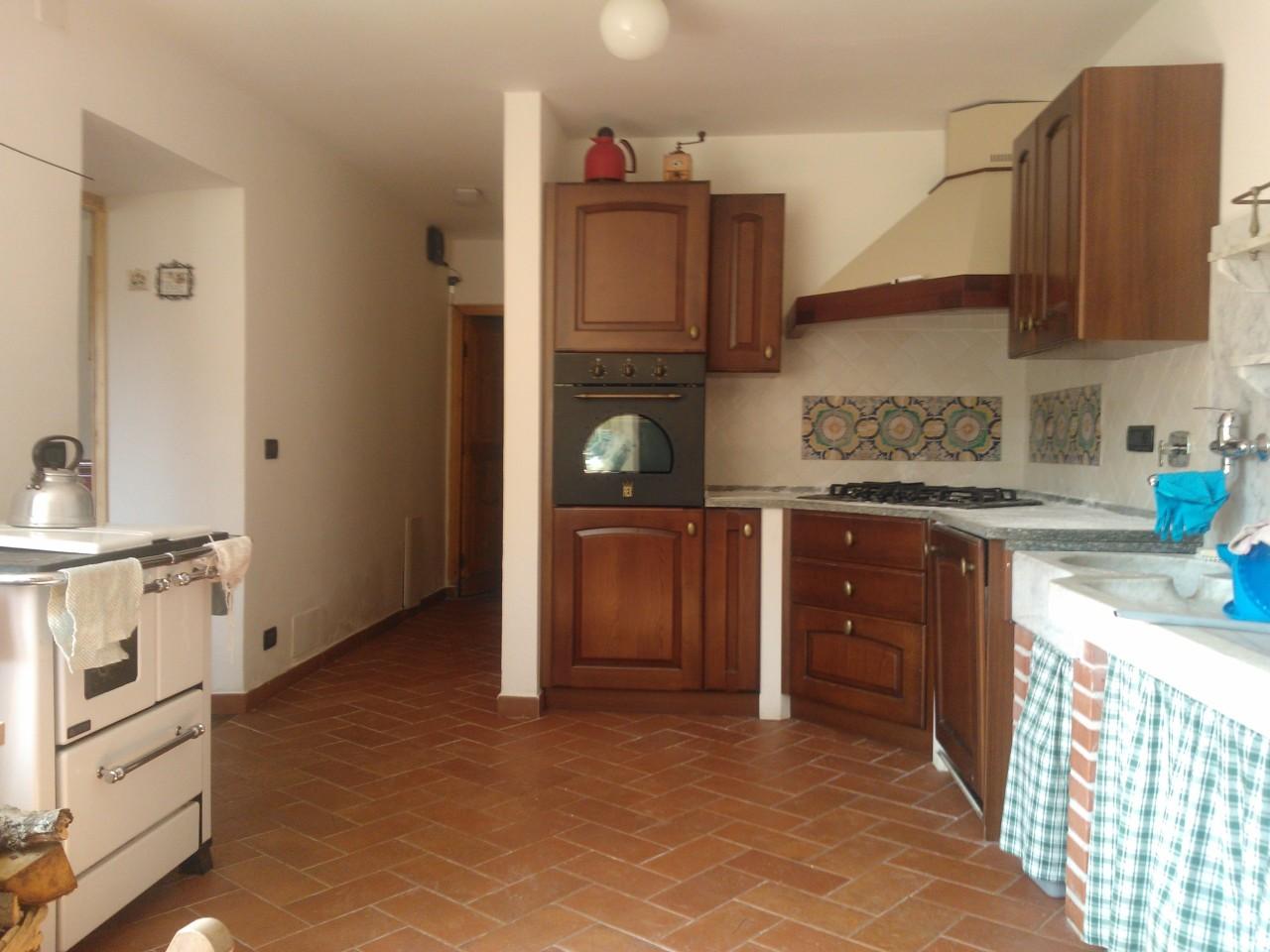 Soluzione Semindipendente in affitto a Sassello, 7 locali, prezzo € 4.800 | PortaleAgenzieImmobiliari.it