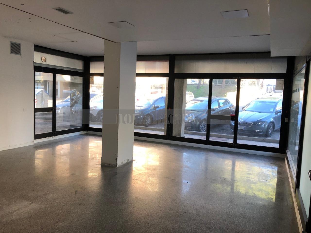 Locale commerciale - 3 Vetrine a San Sisto, Perugia