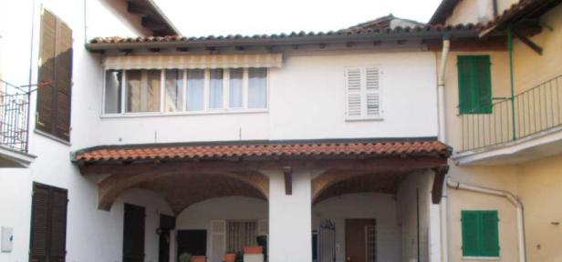 Casa Indipendente in buone condizioni in vendita Rif. 9794890