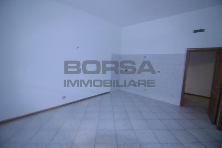 Bilocale in buone condizioni in affitto Rif. 10530777