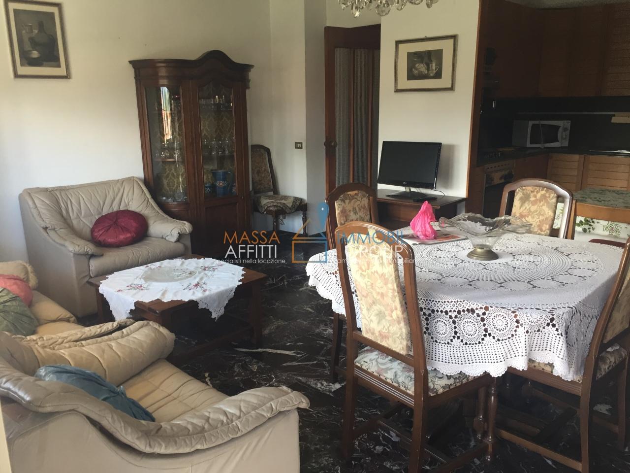 Appartamento in buone condizioni arredato in affitto Rif. 4168541