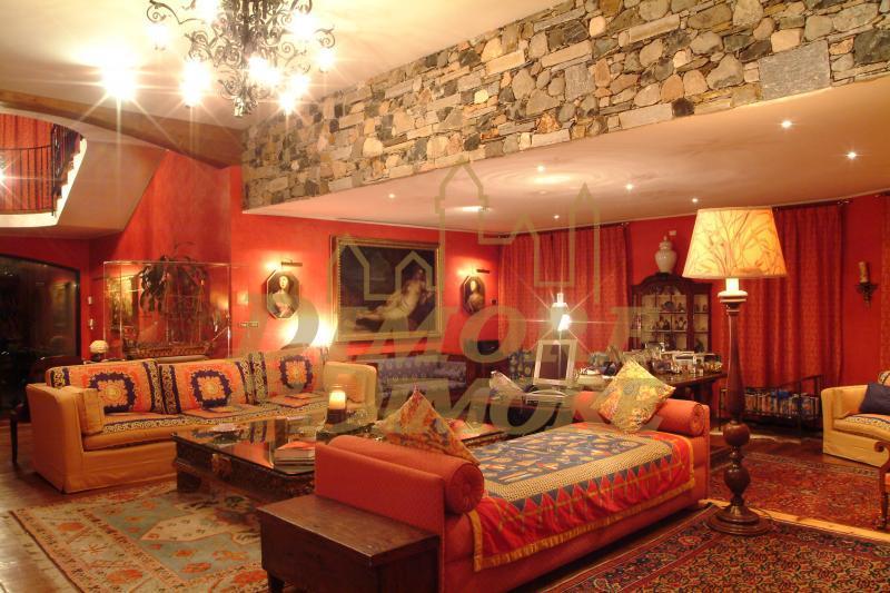 Villa in vendita a Comerio, 17 locali, Trattative riservate | CambioCasa.it