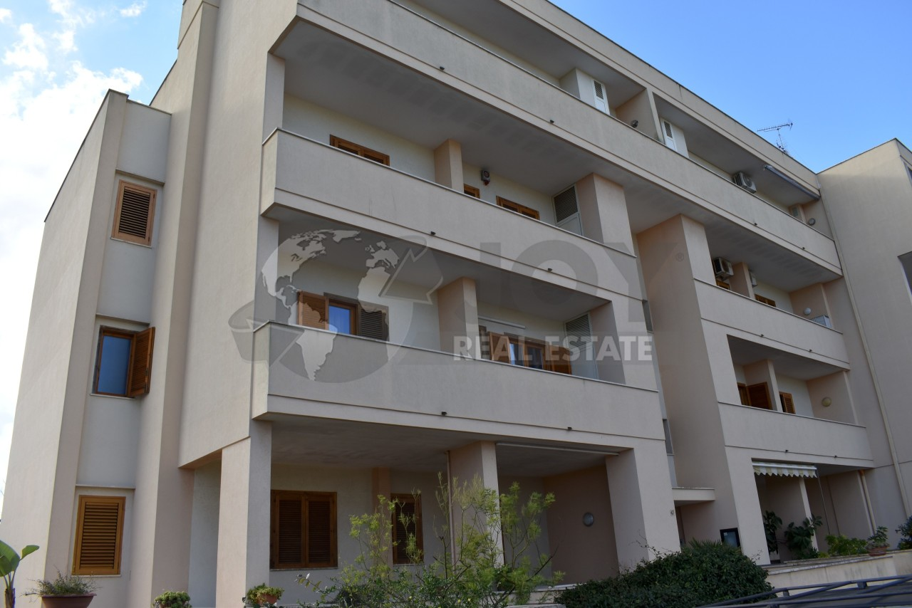 Appartamento da ristrutturare in vendita Rif. 9707365