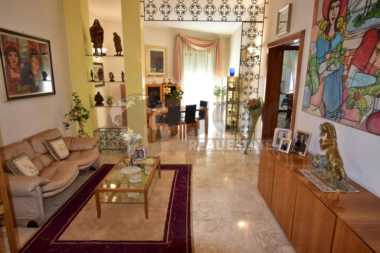 Appartamento in vendita a Galatone, 5 locali, prezzo € 85.000   PortaleAgenzieImmobiliari.it