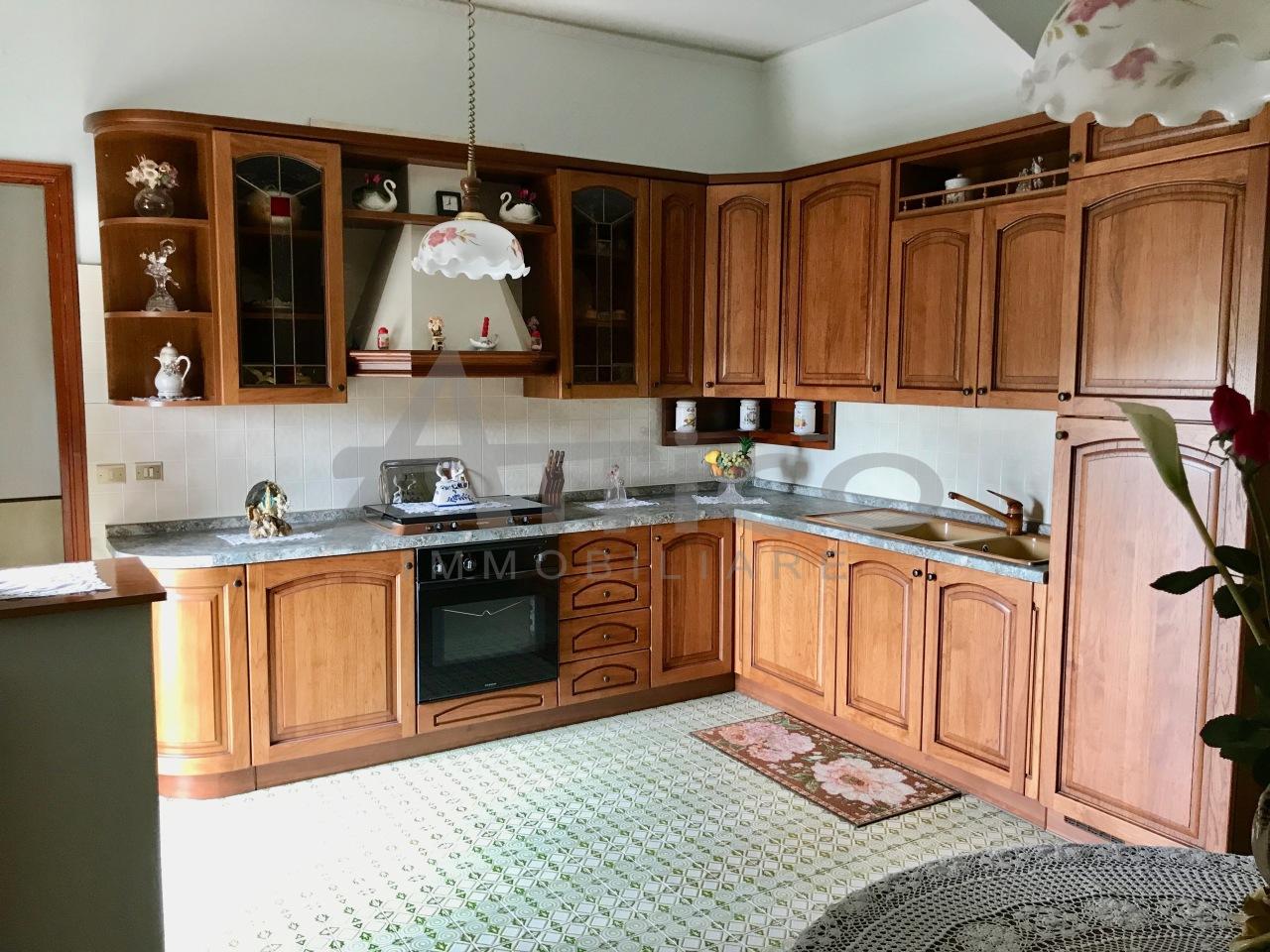 Casa Indipendente da ristrutturare in vendita Rif. 9950618