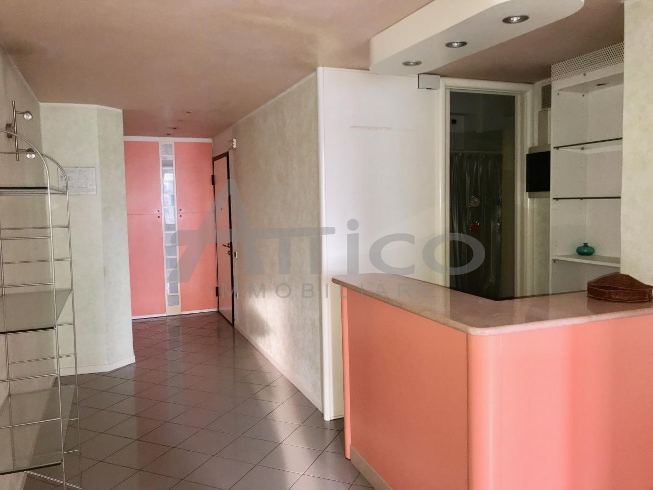 Appartamento in vendita a Rovigo, 5 locali, prezzo € 60.000 | CambioCasa.it
