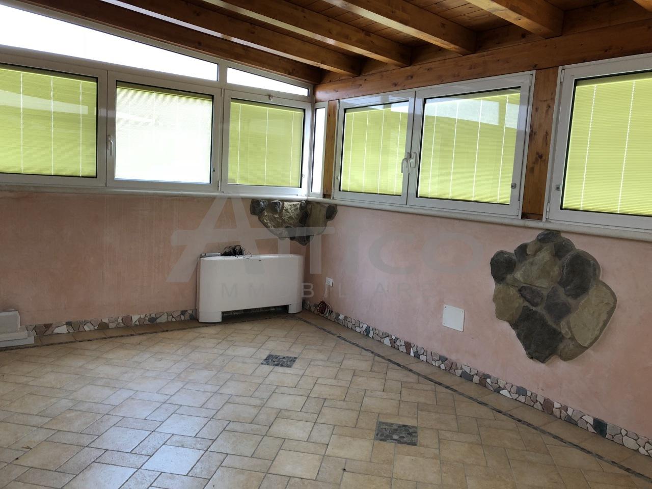 Attico / Mansarda in ottime condizioni in affitto Rif. 6548911