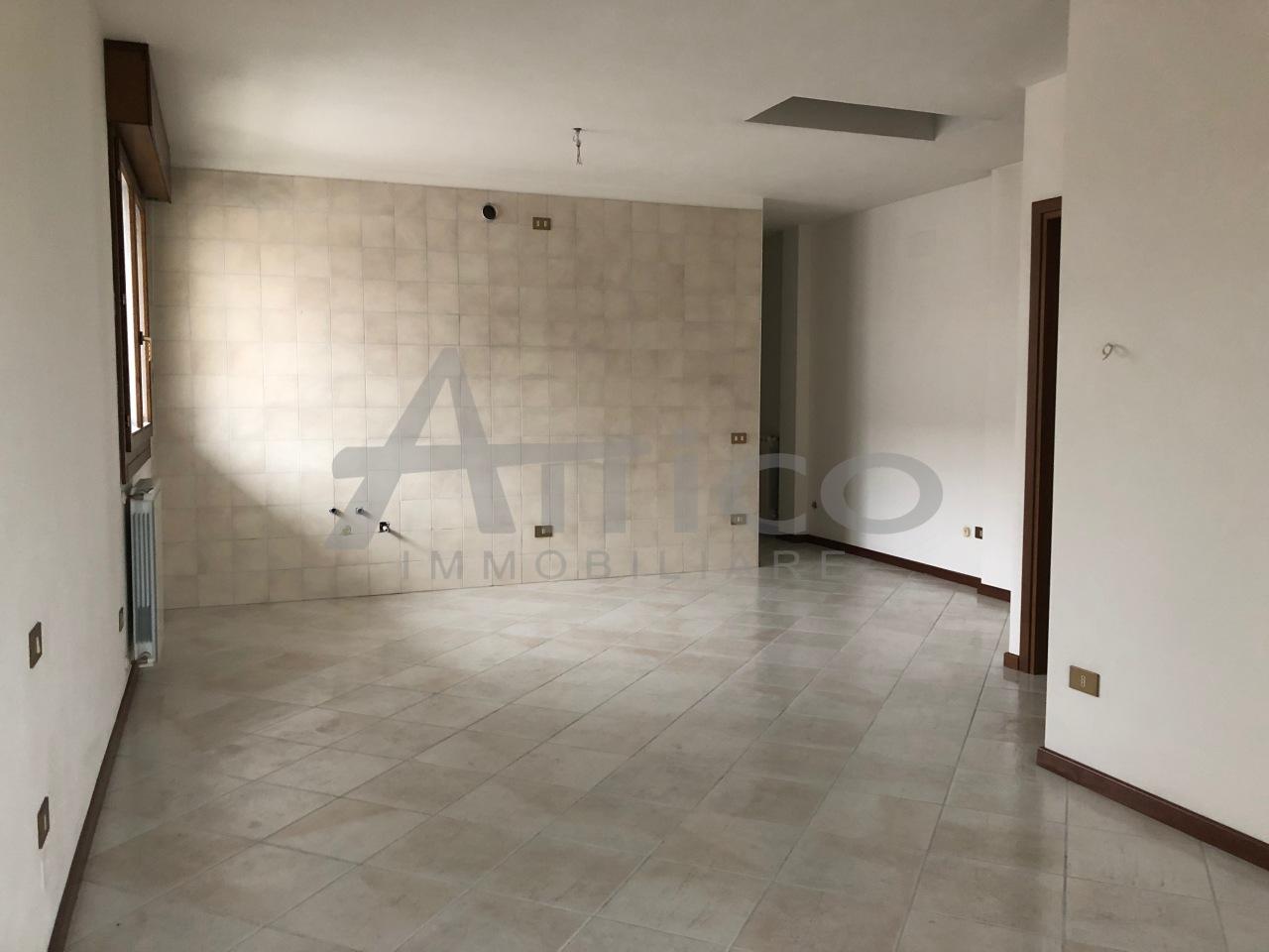 Appartamento - Monolocale a San Pio X°, Rovigo