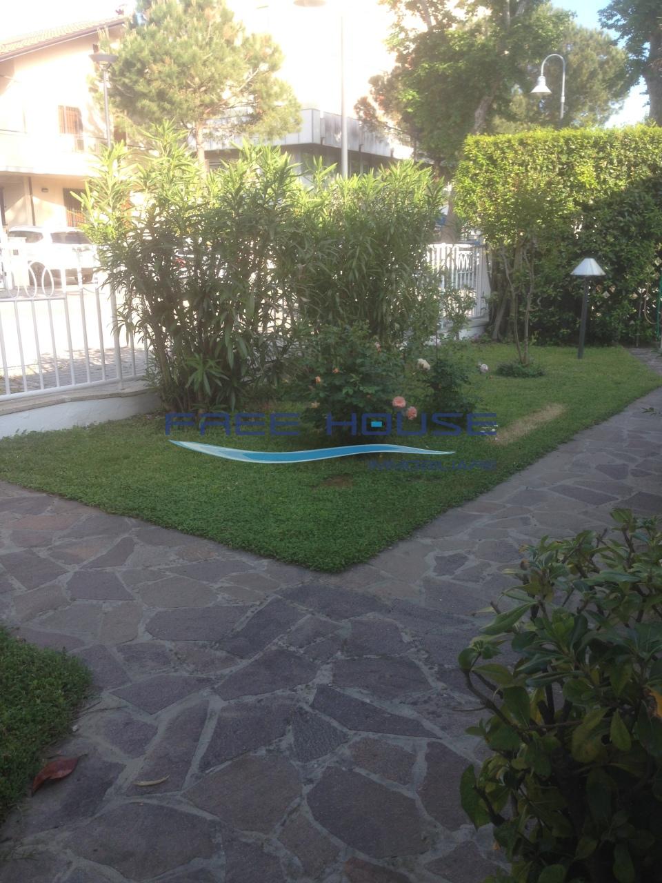Villa in buone condizioni in vendita Rif. 10055903