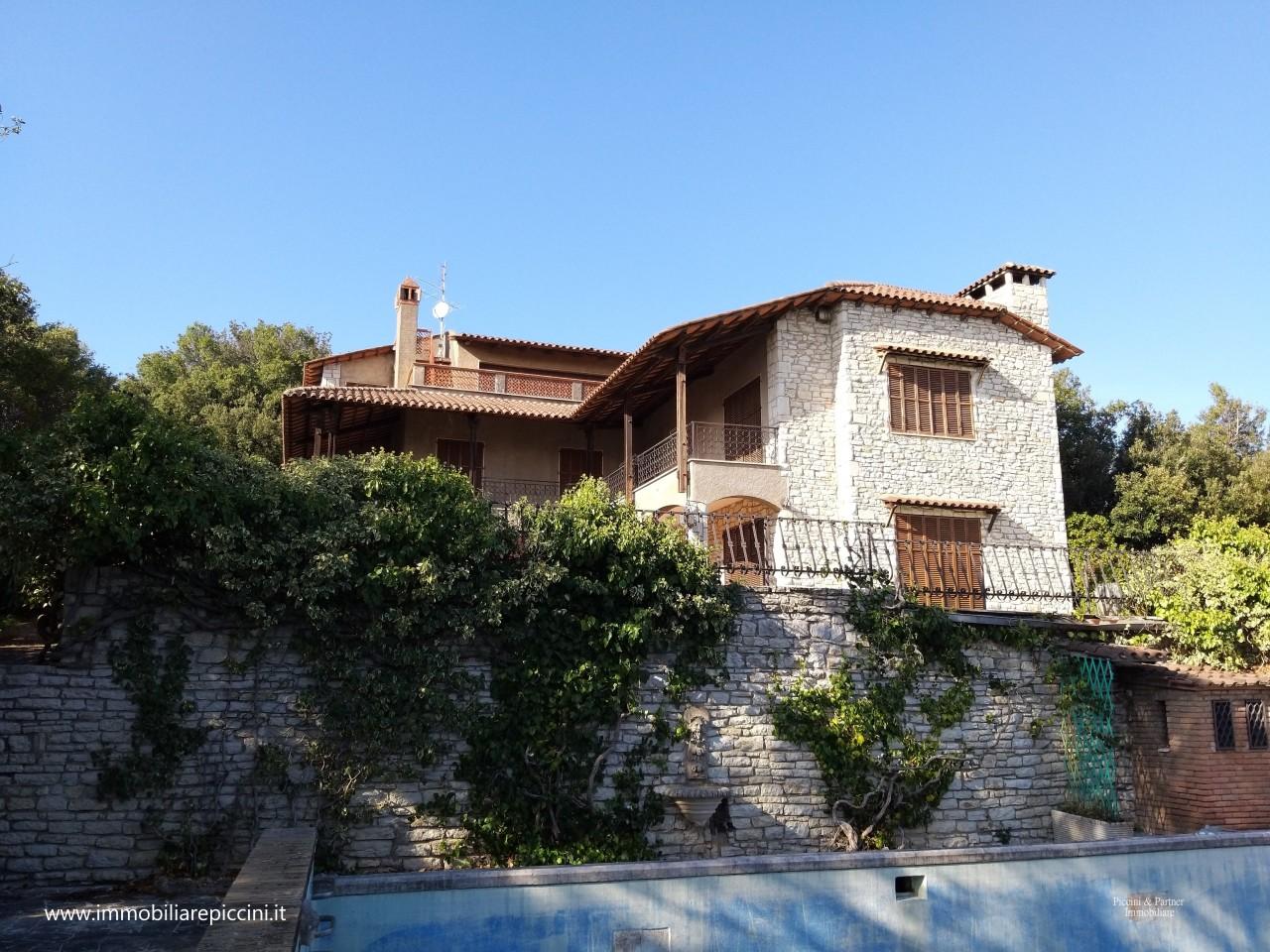 Indipendente - Villa a Colle della Trinità, Perugia