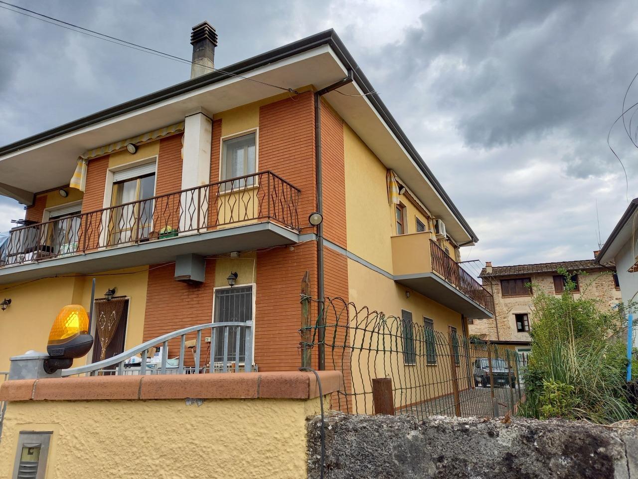 Casa semindipendente in vendita a Camaiore (LU)