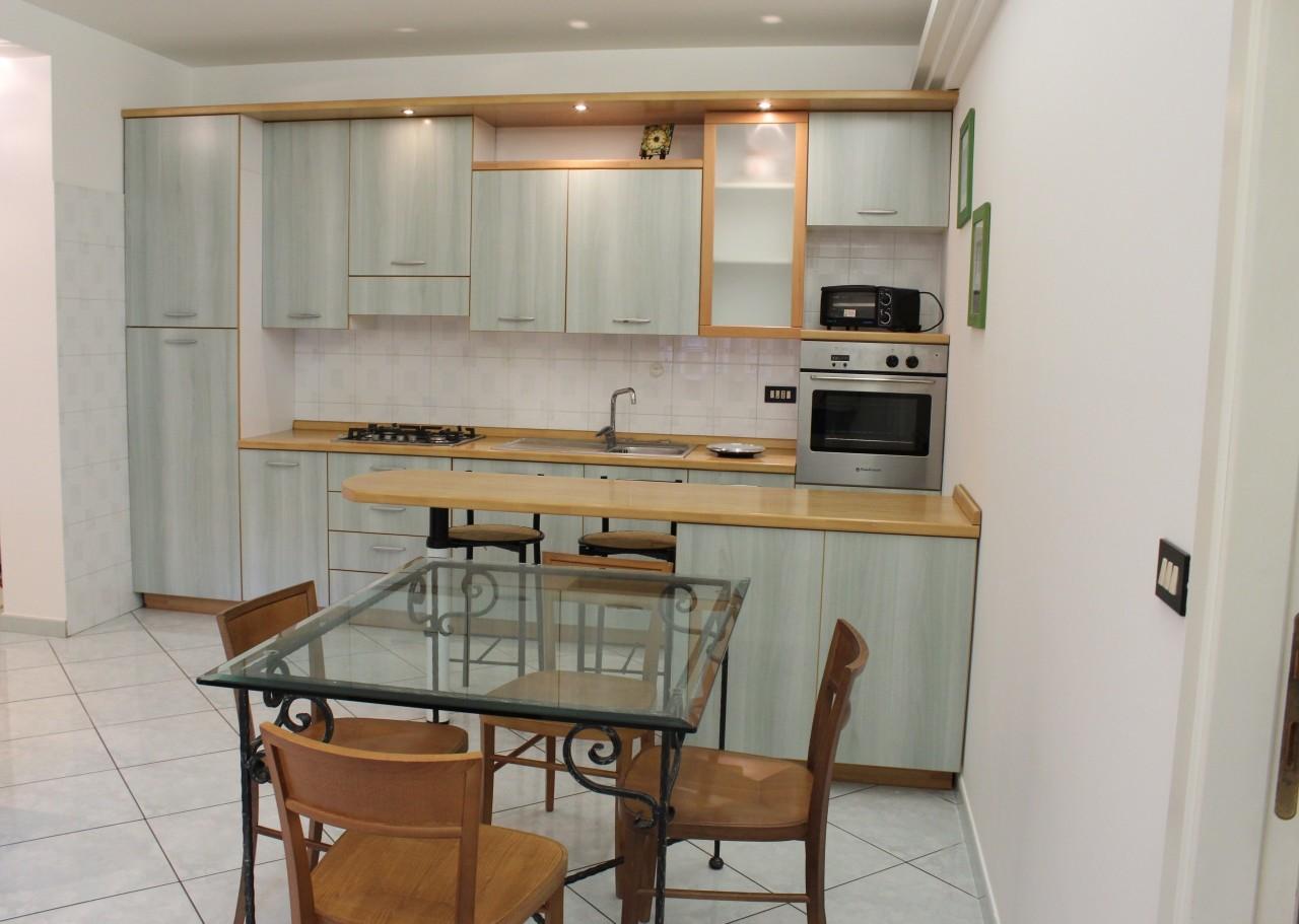 Bilocale in buone condizioni in affitto Rif. 9209653
