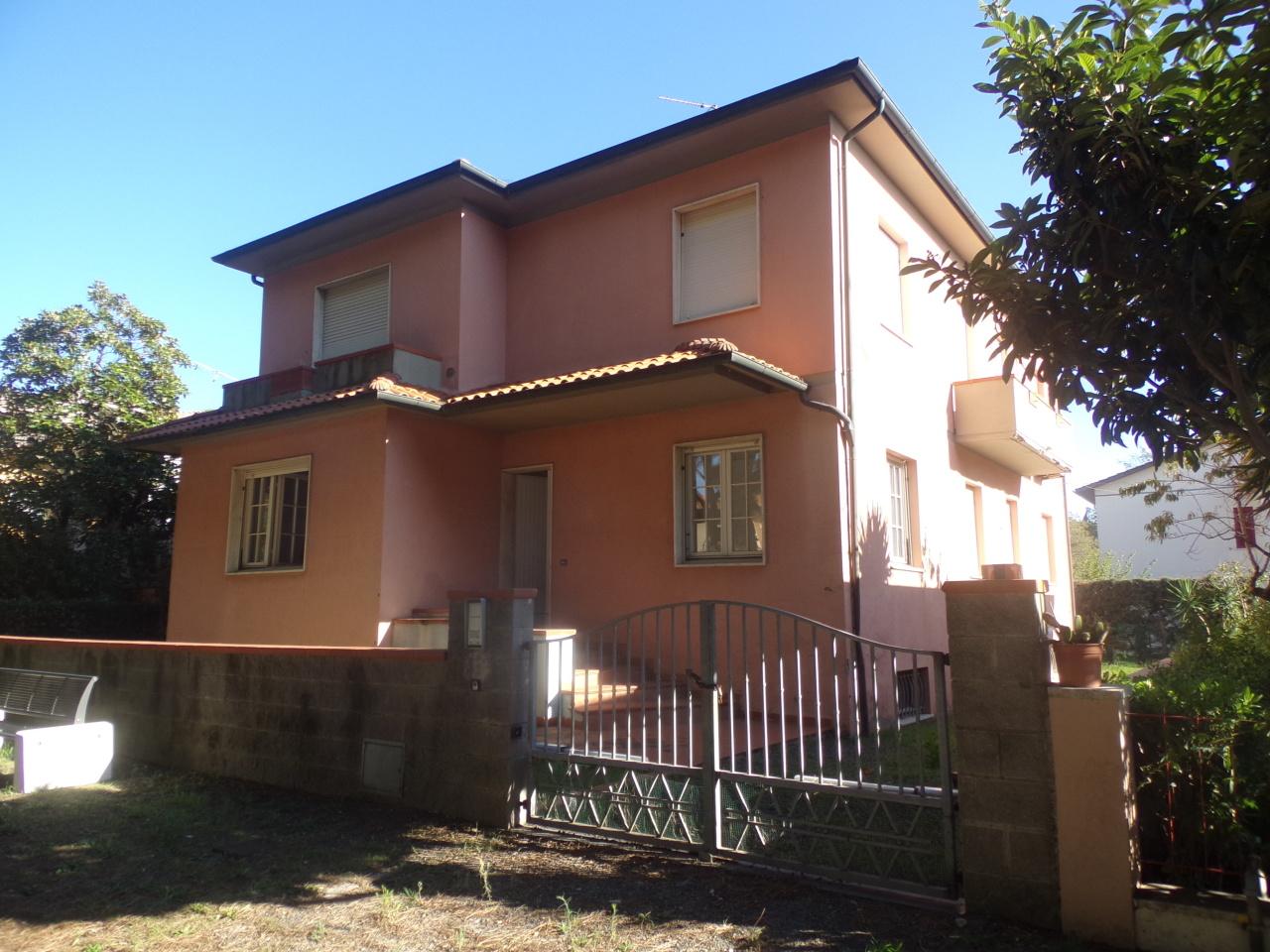 Casa Indipendente in discrete condizioni in vendita Rif. 8638007