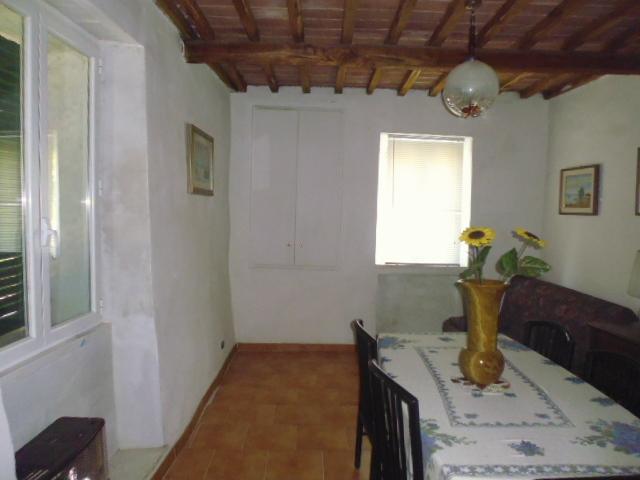 Casa Indipendente in discrete condizioni in vendita Rif. 8028565