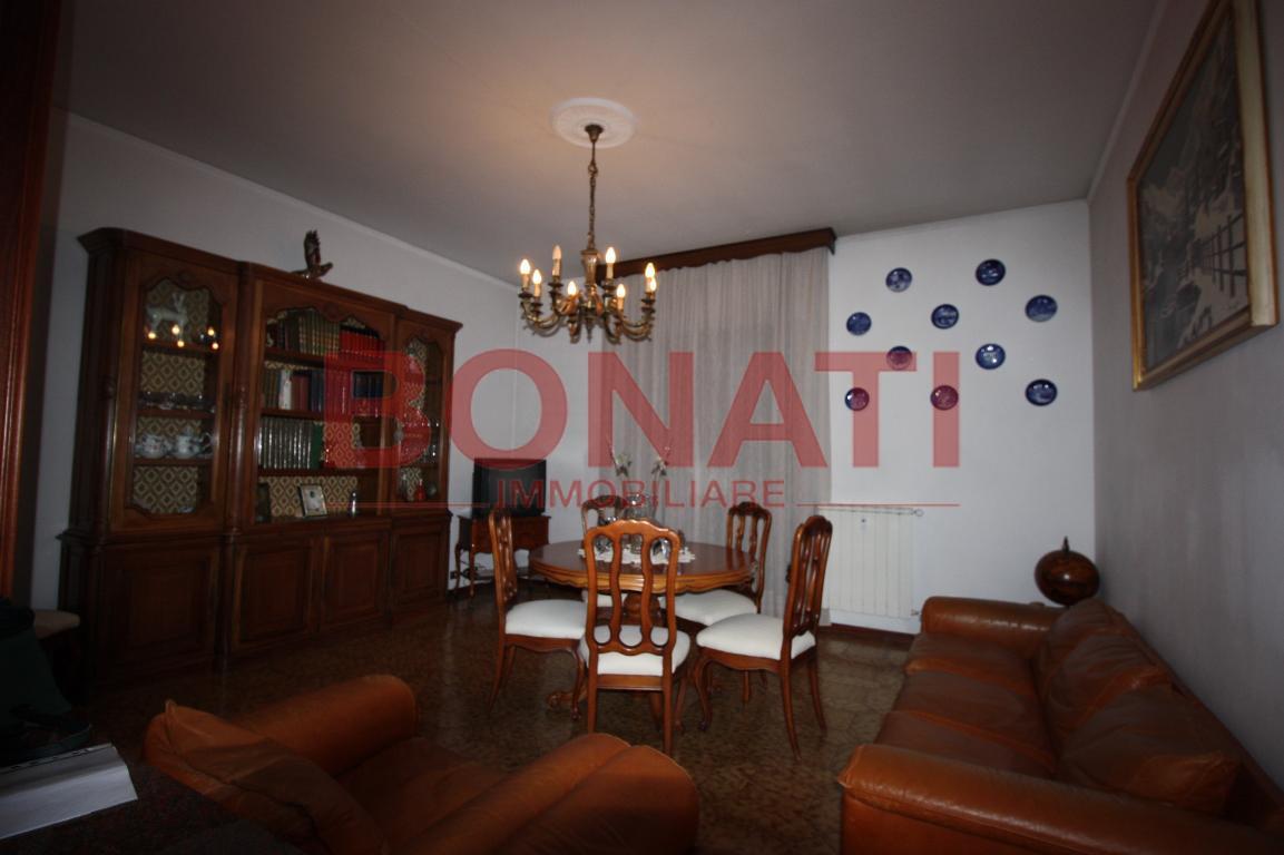 Appartamento in buone condizioni in vendita Rif. 8150516
