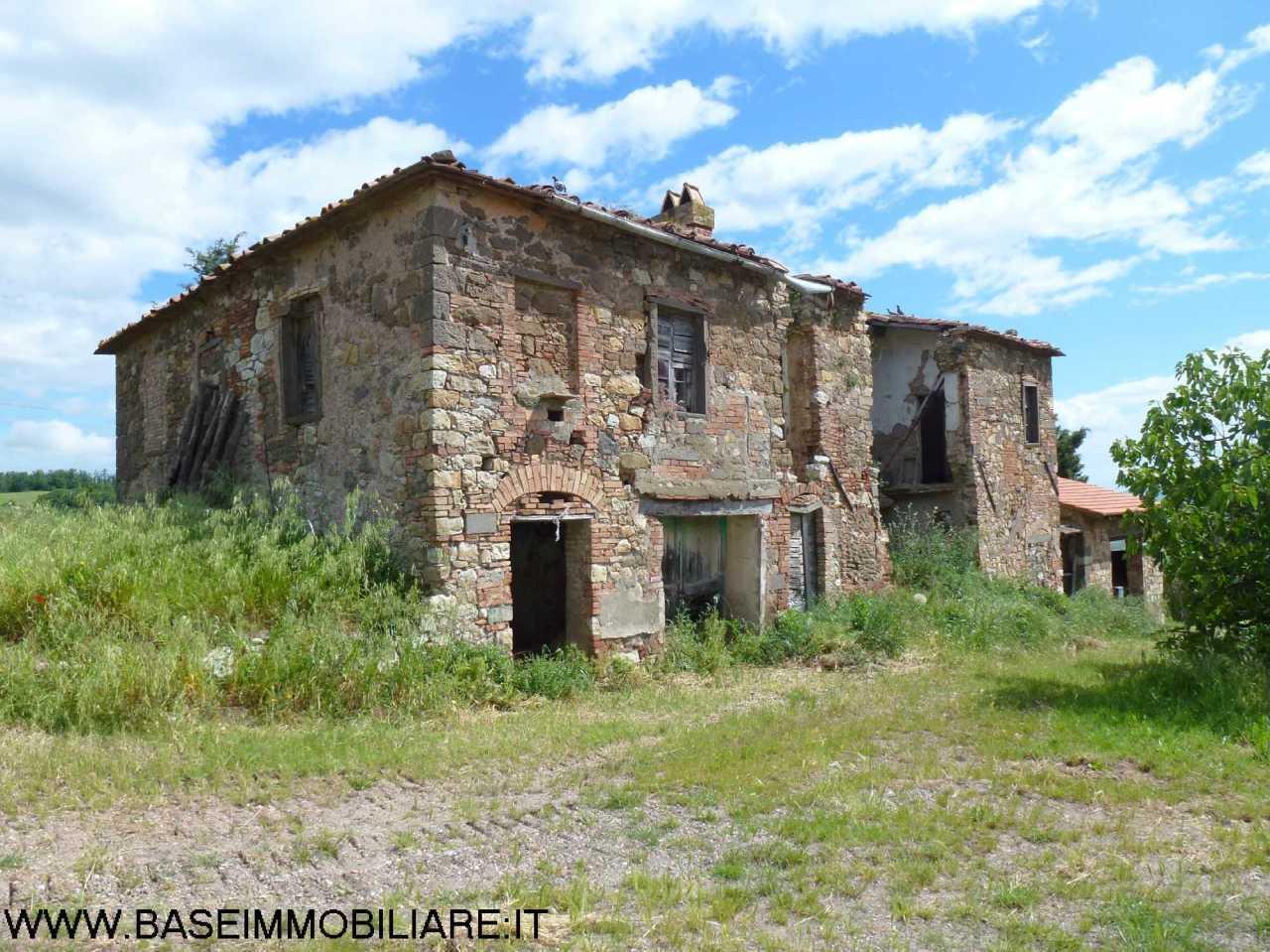 Rustico / Casale in vendita a Montecatini Val di Cecina, 16 locali, prezzo € 620.000 | CambioCasa.it
