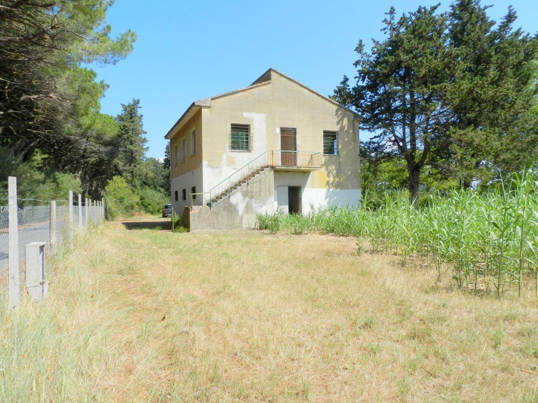 Rustico / Casale in discrete condizioni in vendita Rif. 11238159