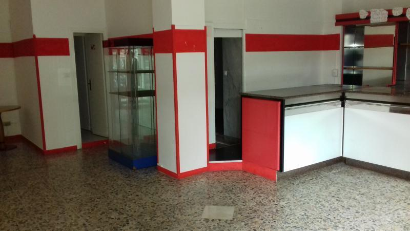 Negozio / Locale in affitto a SanRemo, 2 locali, prezzo € 500 | PortaleAgenzieImmobiliari.it