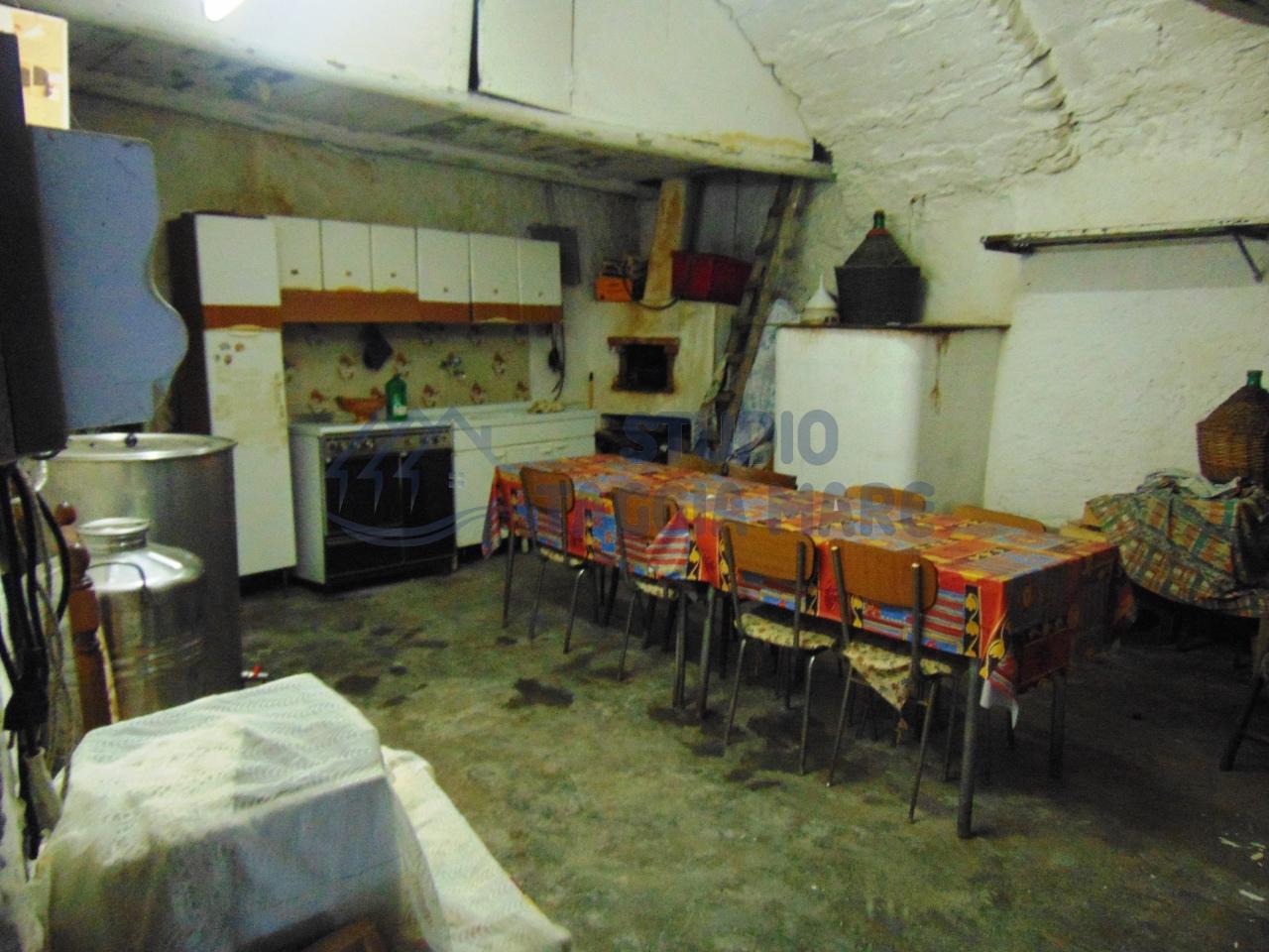 Appartamento in vendita a Taggia, 1 locali, prezzo € 20.000 | CambioCasa.it