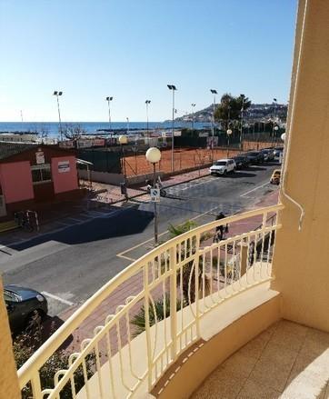 Appartamento in vendita a Taggia, 4 locali, prezzo € 299.000 | CambioCasa.it