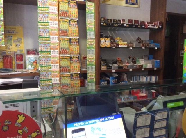 Vendita tabaccheria Bologna
