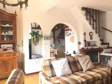 Appartamento in buone condizioni in vendita Rif. 8934508