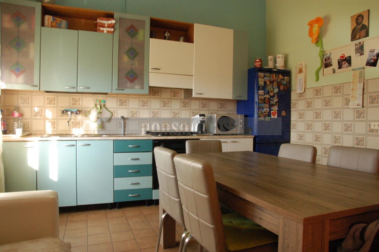 Appartamento in vendita a Torgiano, 4 locali, prezzo € 75.000 | CambioCasa.it