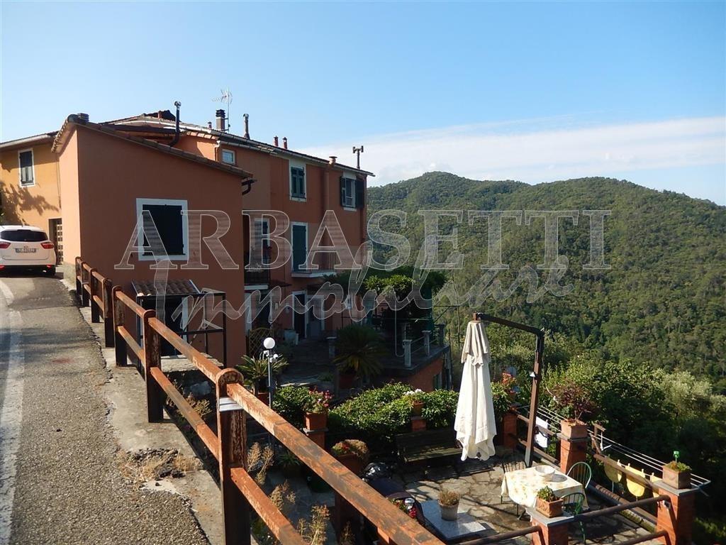Appartamento - Plurilocale a Missano, Castiglione Chiavarese