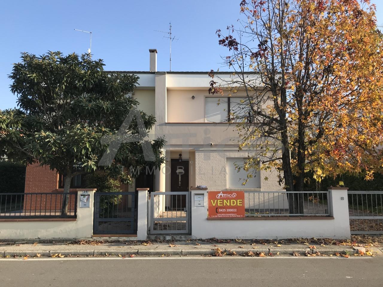 Villetta a schiera in buone condizioni in vendita Rif. 7832011