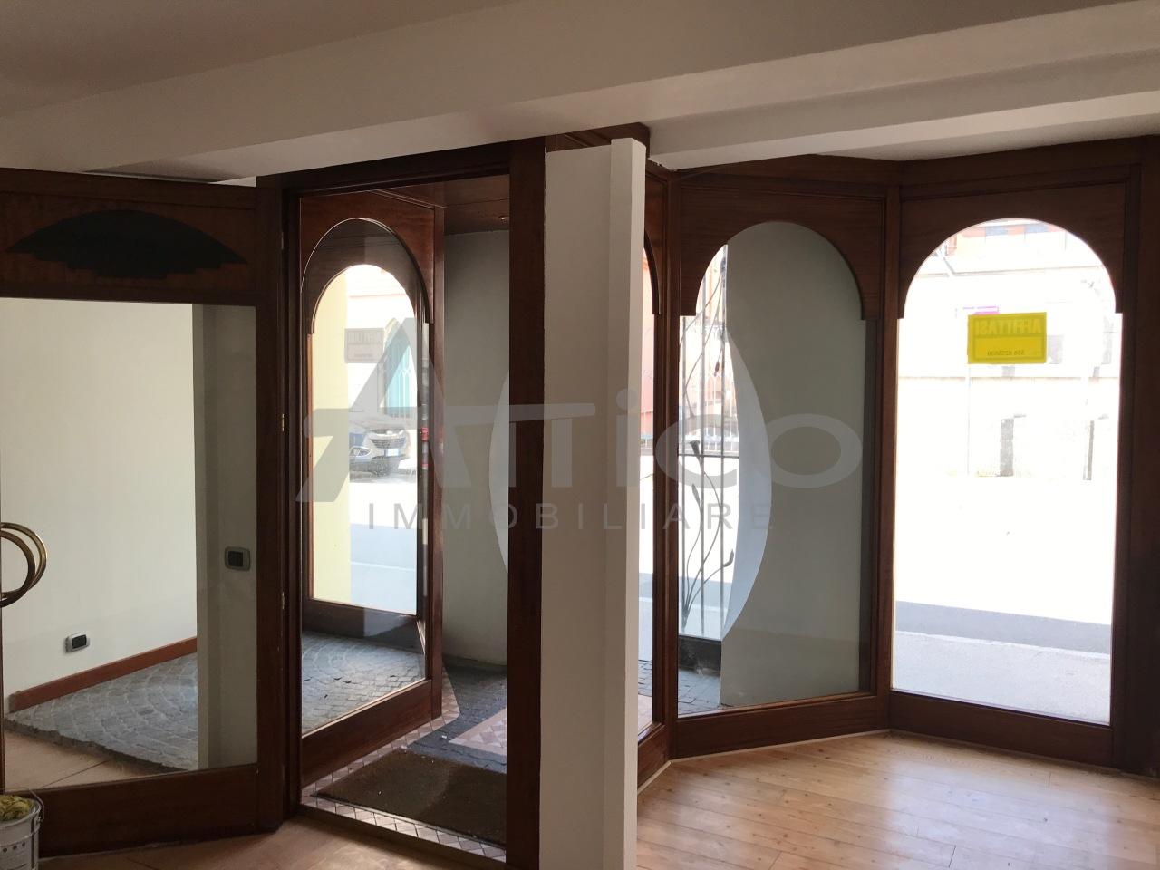 Negozio / Locale in affitto a Rovigo, 2 locali, prezzo € 550 | CambioCasa.it