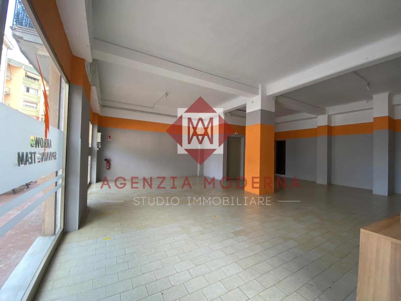 Negozio / Locale in vendita a Ventimiglia, 9999 locali, prezzo € 180.000 | PortaleAgenzieImmobiliari.it