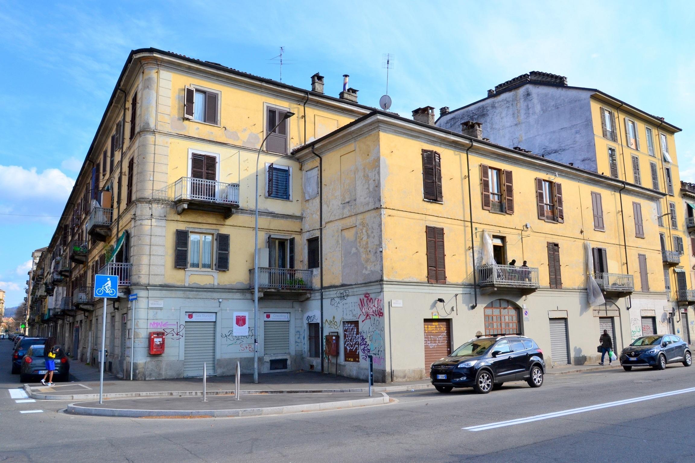 Corso Vercelli. Quadrilocale con doppi servizi e ampia soffitta