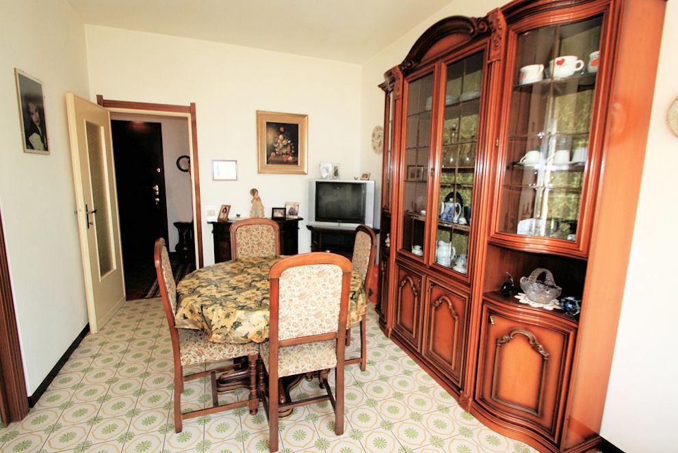 Appartamento in buone condizioni in vendita Rif. 9209452