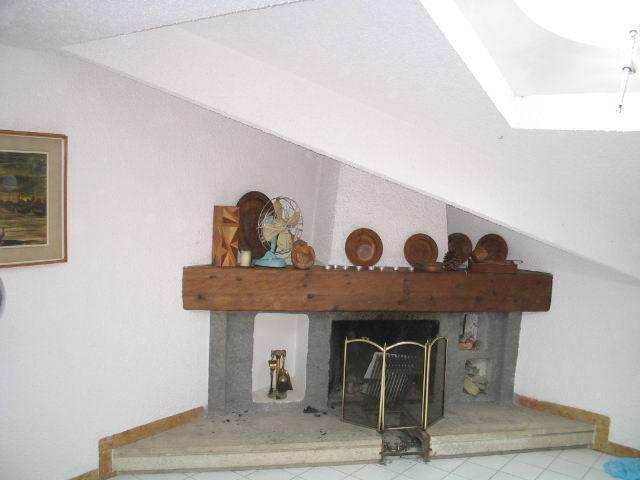 Appartamento in buone condizioni in vendita Rif. 9209484
