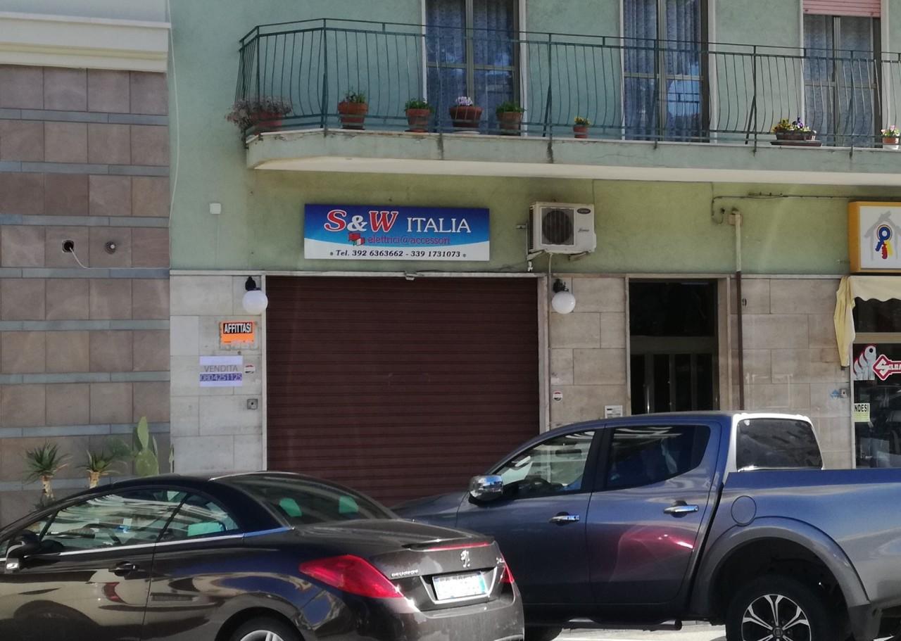 Locale commerciale - 1 Vetrina a Monopoli Rif. 6372136