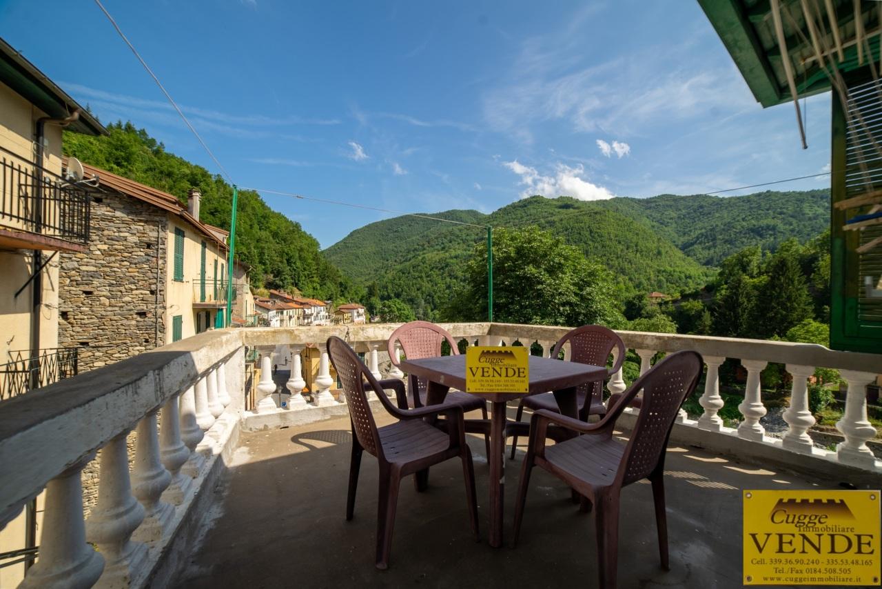 Attico / Mansarda in vendita a Molini di Triora, 5 locali, prezzo € 110.000 | PortaleAgenzieImmobiliari.it