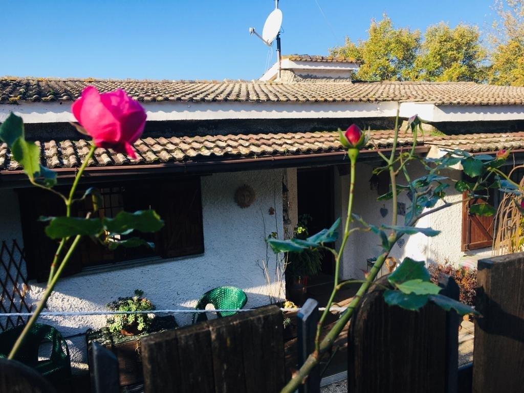 Casa Indipendente ristrutturato in vendita Rif. 11717345