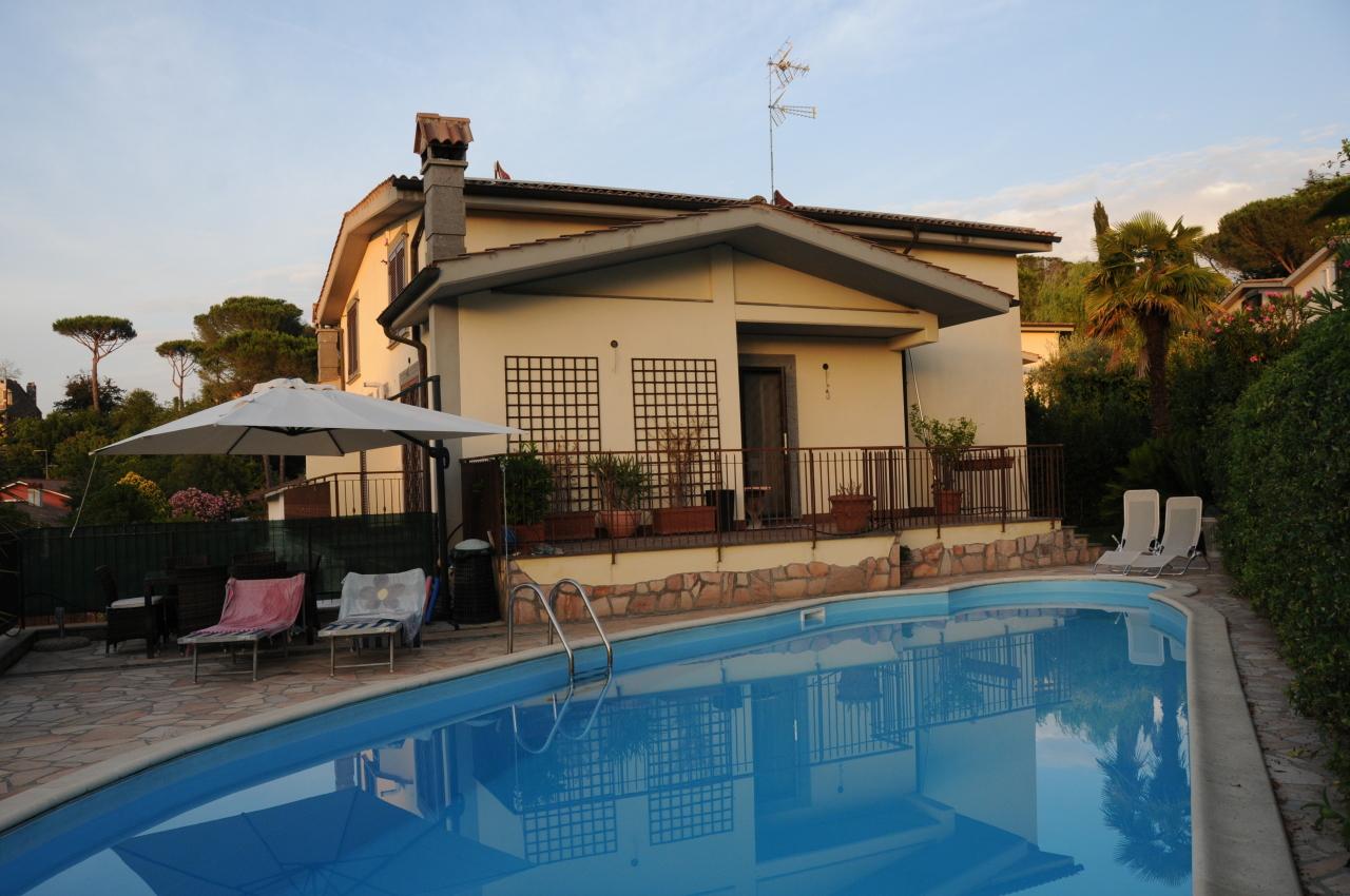 Villetta a schiera in ottime condizioni in vendita Rif. 10742893