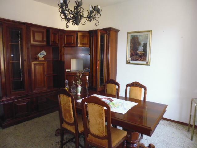 Appartamento in buone condizioni in vendita Rif. 8440357