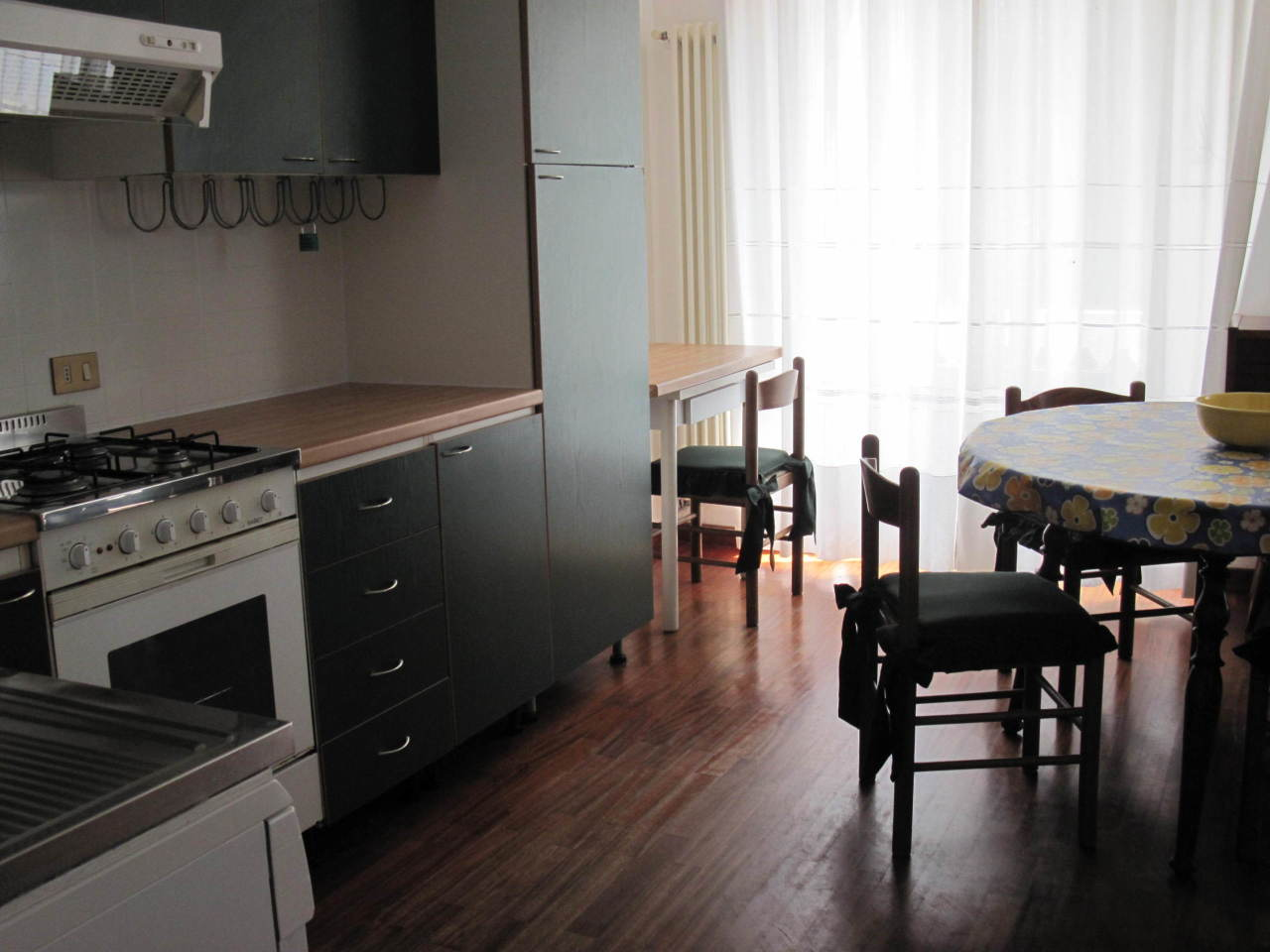 Appartamento in buone condizioni arredato in affitto Rif. 8353301