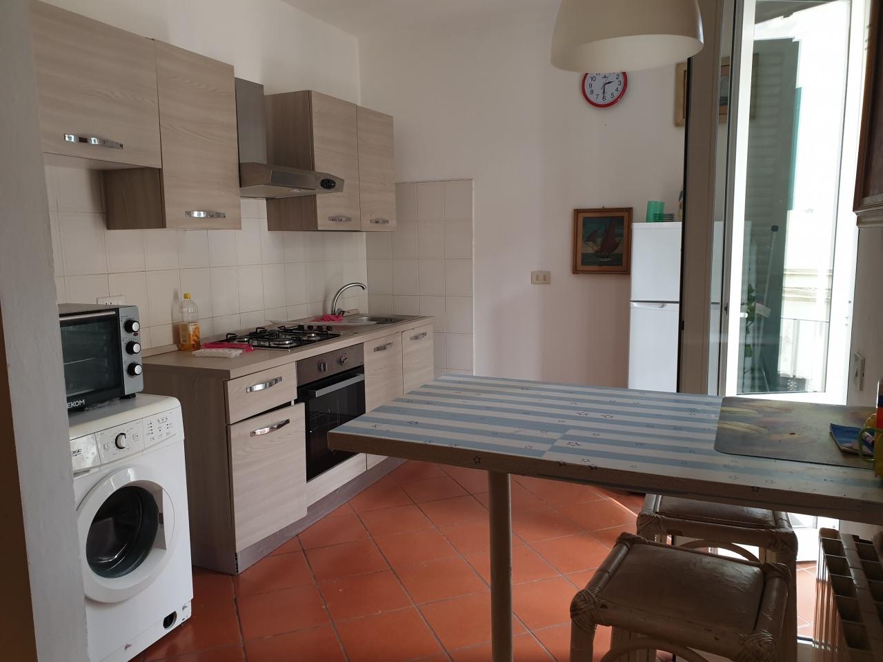 Appartamento in vendita a Viareggio, 3 locali, prezzo € 310.000   CambioCasa.it
