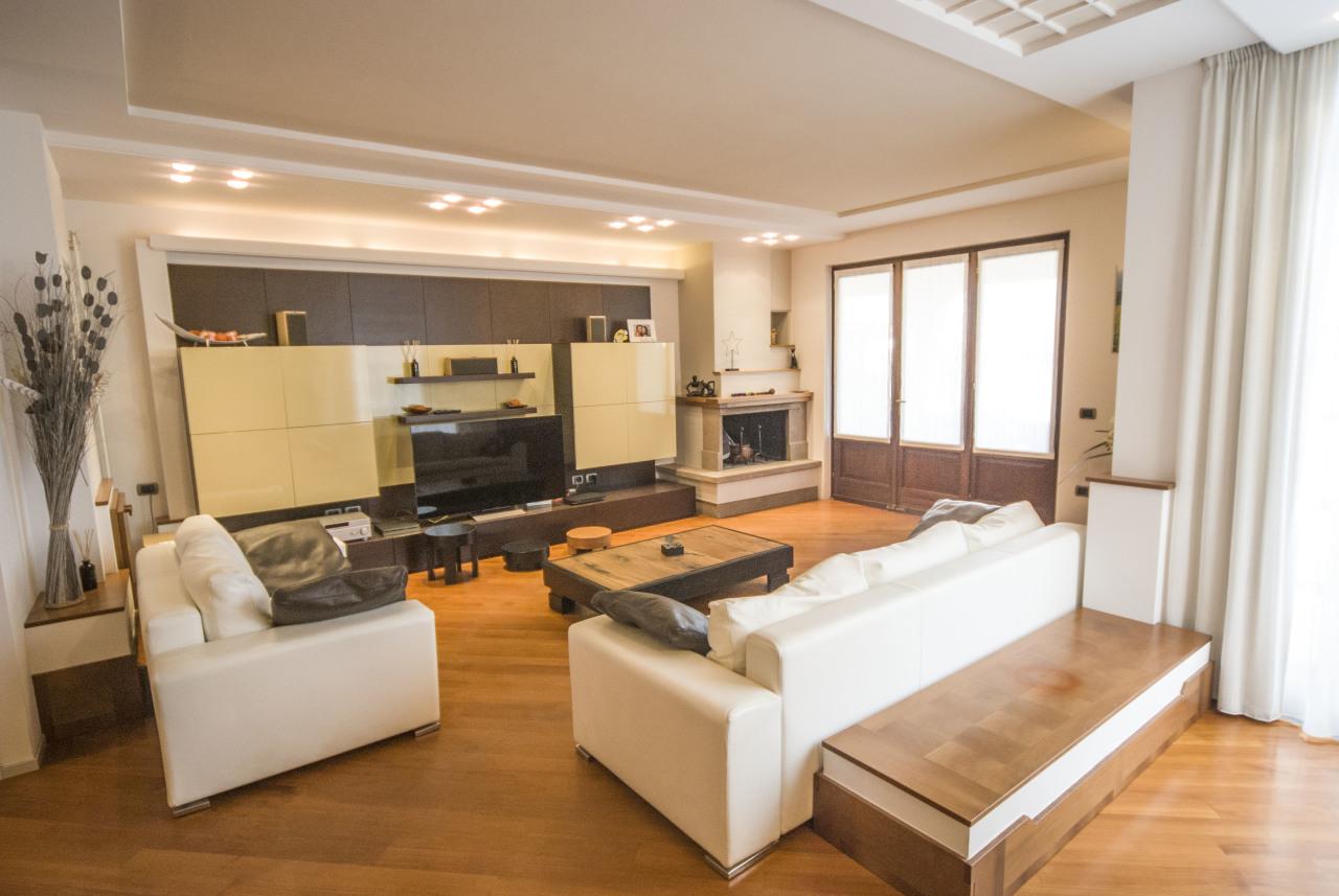 Villetta a schiera in ottime condizioni in vendita Rif. 11563024
