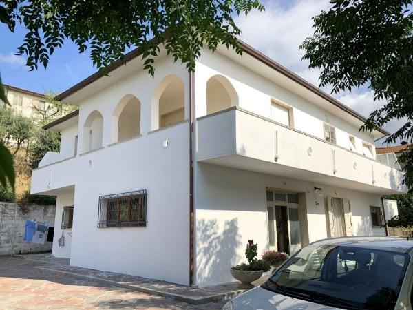Villa in buone condizioni in vendita Rif. 9373866