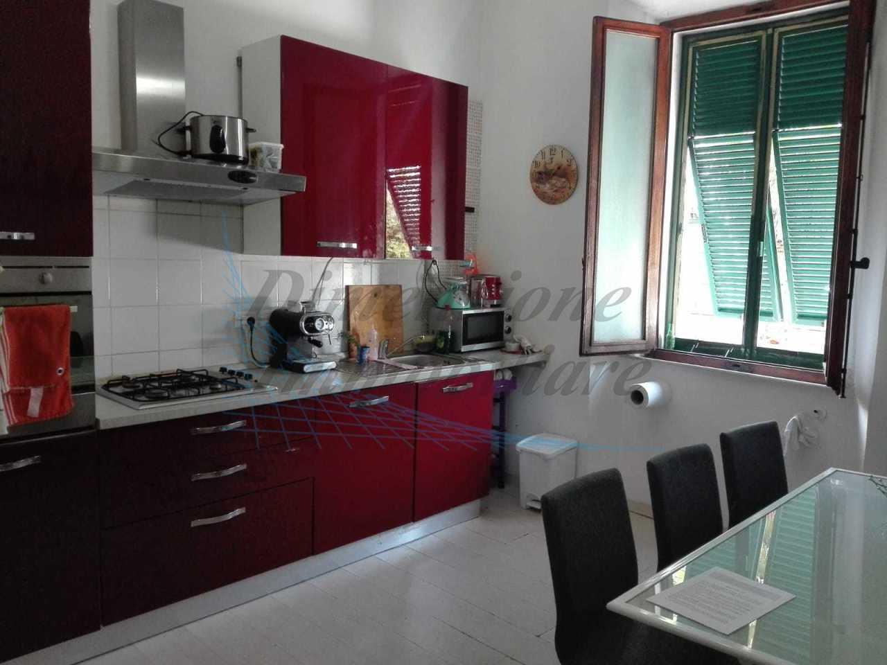 Villetta a schiera in discrete condizioni in vendita Rif. 9707351