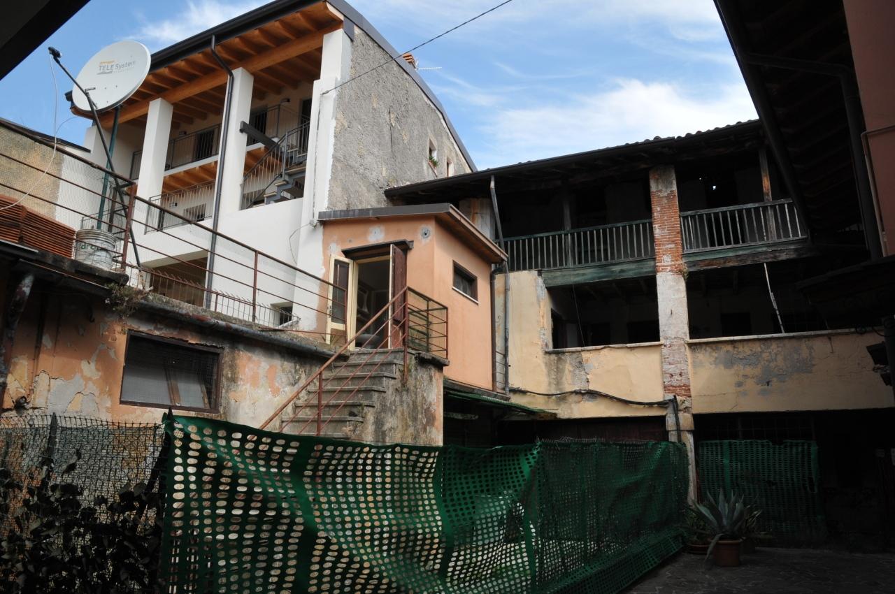 Indipendente - Rustico a San Felice del Benaco