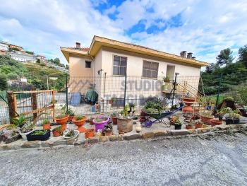 Immagine di Semindipendente Porzione di casa In Vendita Sanremo (IM)  non disponibile