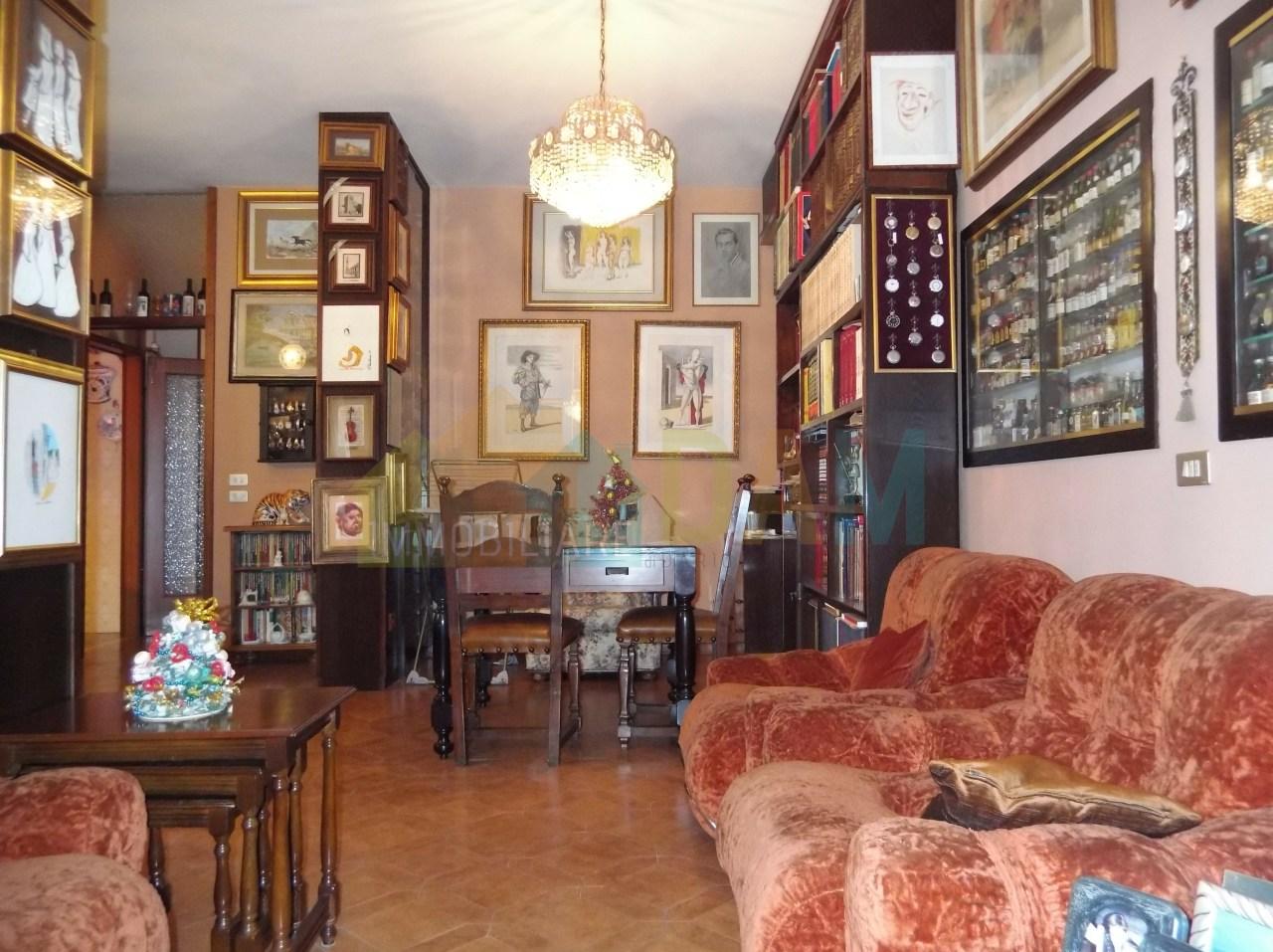 Appartamento in vendita a Vicenza, 11 locali, prezzo € 180.000 | PortaleAgenzieImmobiliari.it